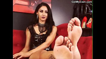 foot stocking fully fashioned fetish Using her handy
