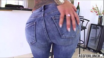 staxxx has her big amazon ass slave licked by A boy was fucked by brutualy