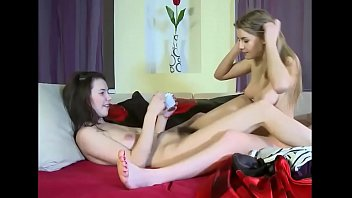 pussy vagina5 in hand lesbian licking and inserting full Cumshot of latex