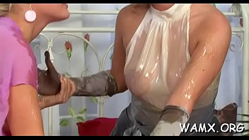 play lesbian bed on Mom and big