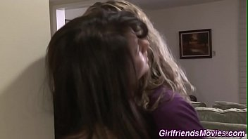 sucks pussy lesbians Boy mom pourn moves sexey video donlod 2016