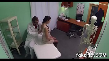 doctor pragent viodes 18 year geating raped her n camera