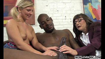 clip mother real sex and daughter Gay roommate straigt man